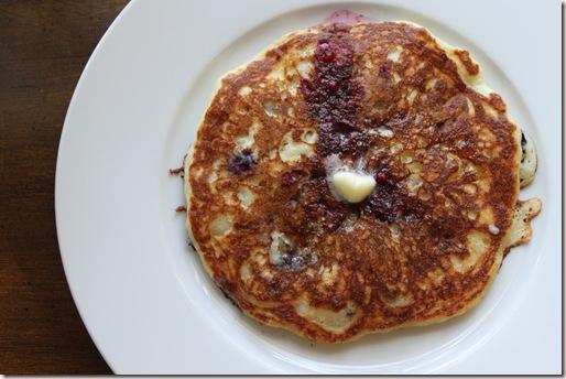 blueberry-quinoa-pancakes10