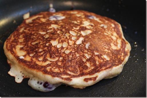 blueberry-quinoa-pancakes8