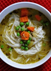faux-chicken-rice-noodle-soup1