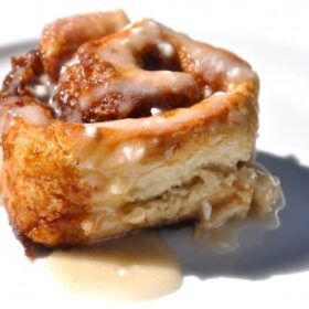 hold-the-yeast-cinnamon-buns1