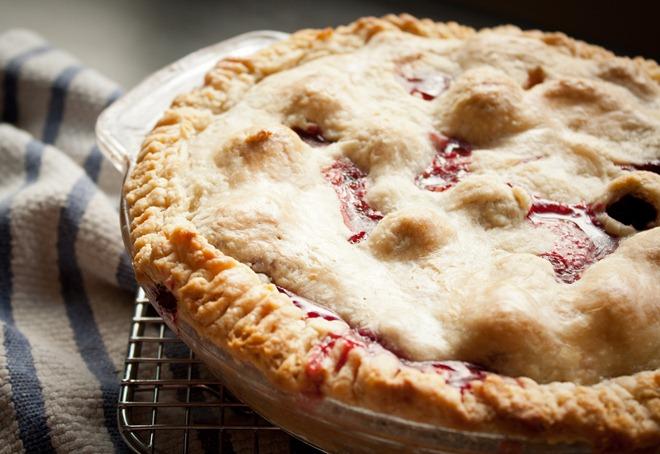 Blackberry Peach Pie - A Beautiful Plate