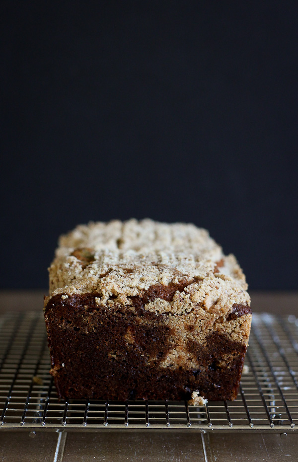 blueberry loaf cake with almond streusel