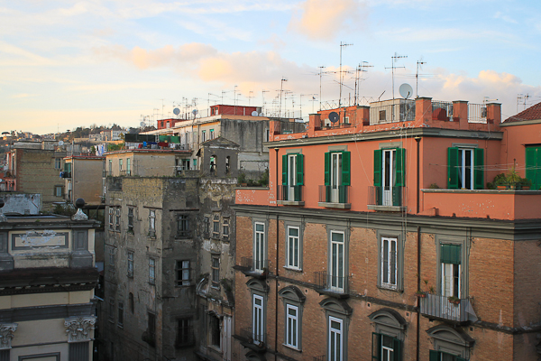 naples italy spaccanapoli