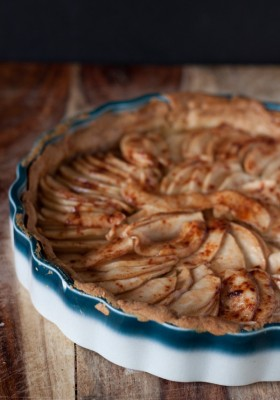 Rustic French Apple Tart >> Blogging Over Thyme
