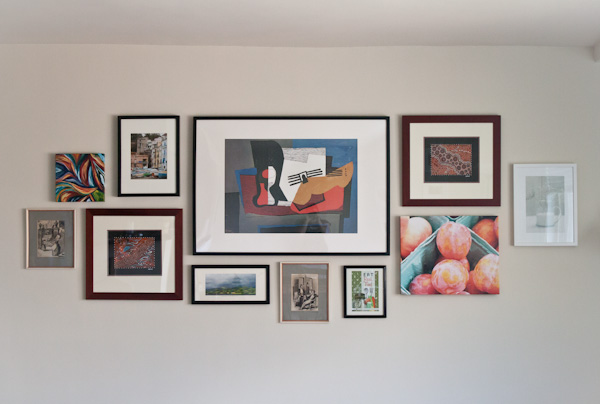 DIY Gallery Wall >> Blogging Over Thyme