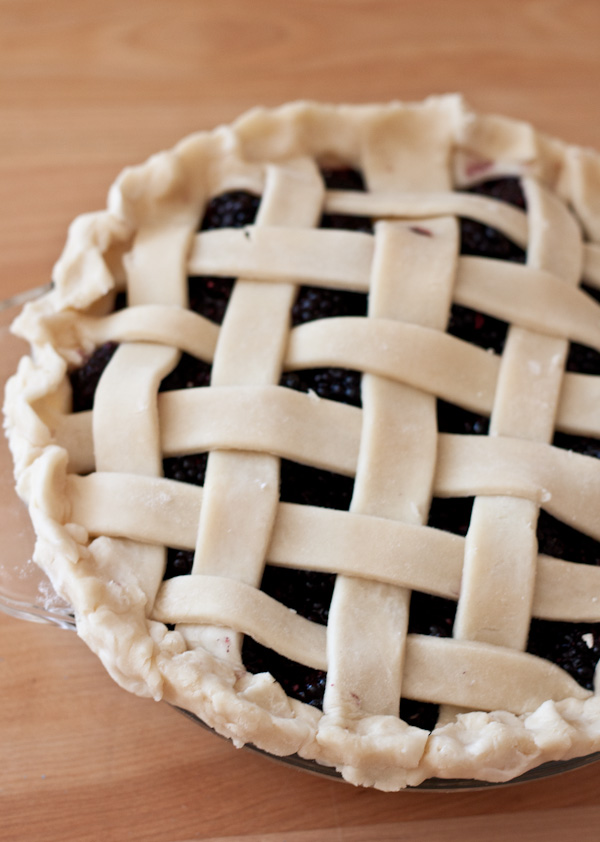 Blackberry Lattice Pie >> Blogging Over Thyme