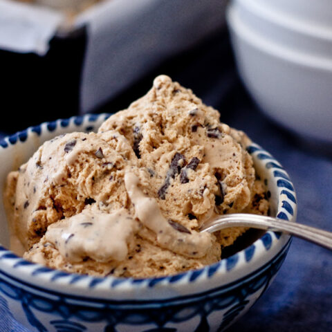Burnt Sugar Ice Cream with Chocolate Bits | Blogging Over Thyme