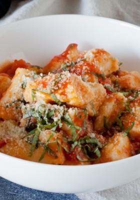Homemade Gnocchi with Roasted Tomato Basil Sauce >> Blogging Over Thyme