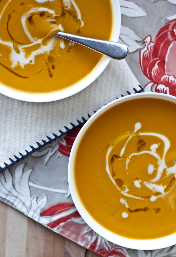 Creamy Roasted Acorn Squash and Sweet Potato Soup. An EASY flavor-packed fall soup! [Naturally dairy-free and vegan.]