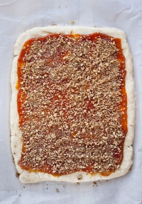 Pumpkin Butter Pecan Scones | bloggingoverthyme.com