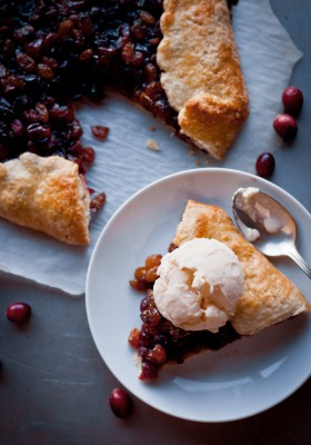 Cranberry Raisin Tart | bloggingoverthyme.com