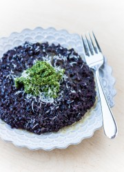 Forbidden Rice Risotto with Kale Pesto | bloggingoverthyme.com
