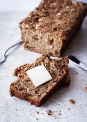 Apple Oatmeal Breakfast Bread | bloggingoverthyme.com
