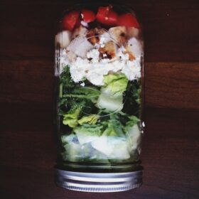Mason Jar Salad | bloggingoverthyme.com