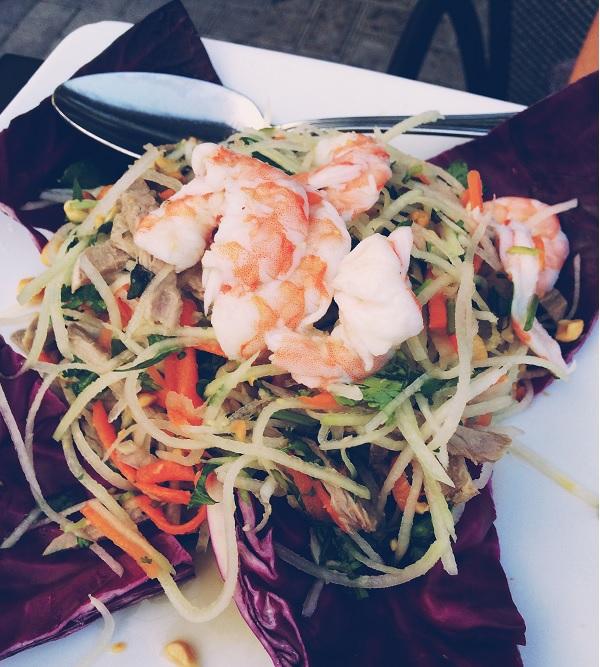 Papaya Salad   bloggingoverthyme.com