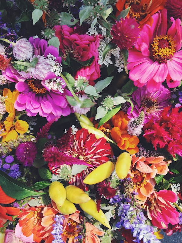 Farmer's Market Flowers | bloggingoverthyme.com