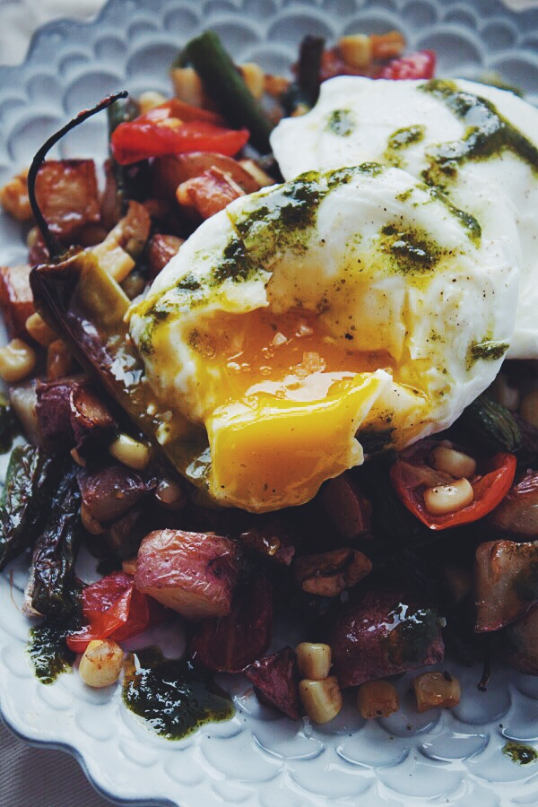Farmer's Market Hash with Poached Eggs | blogggingoverthyme.com