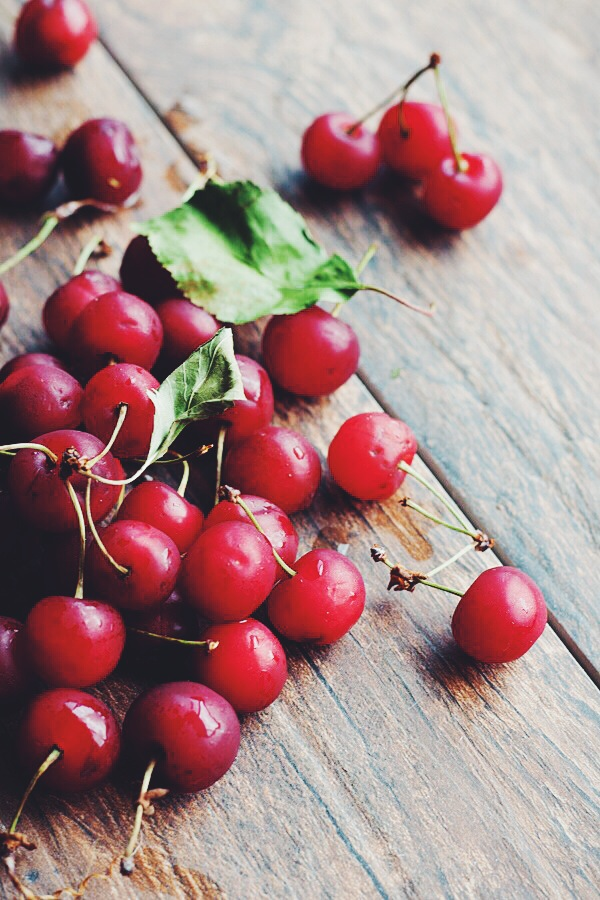 Fresh Sour Cherries