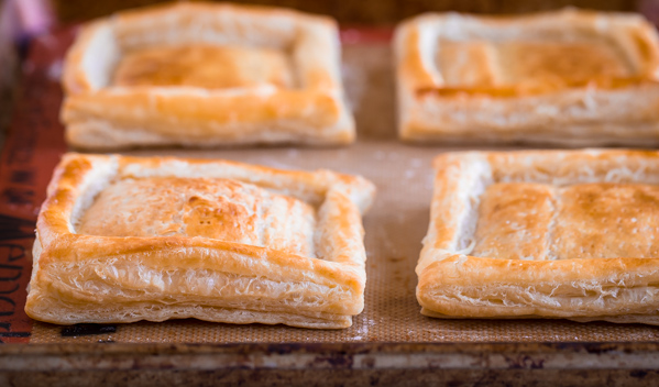 Egg, Cheddar and Green #Harissa Puff Pastry Squares