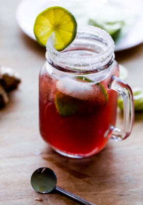 Pomegranate Moscow Mule | bloggingoverthyme.com