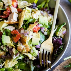 Guacamole Greens Salad with Lime Cilantro Jalapeno Vinaigrette--an easy, incredibly filling healthy main course salad!