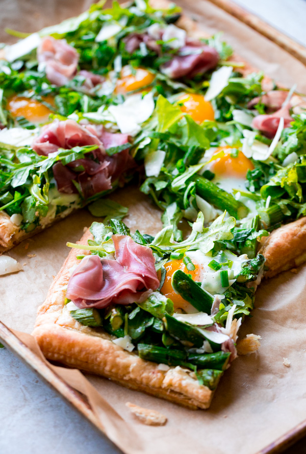 Asparagus Egg Prosciutto Tart with Spring Salad. This tart is perfect for spring and summer, and is surprisingly easy to make!