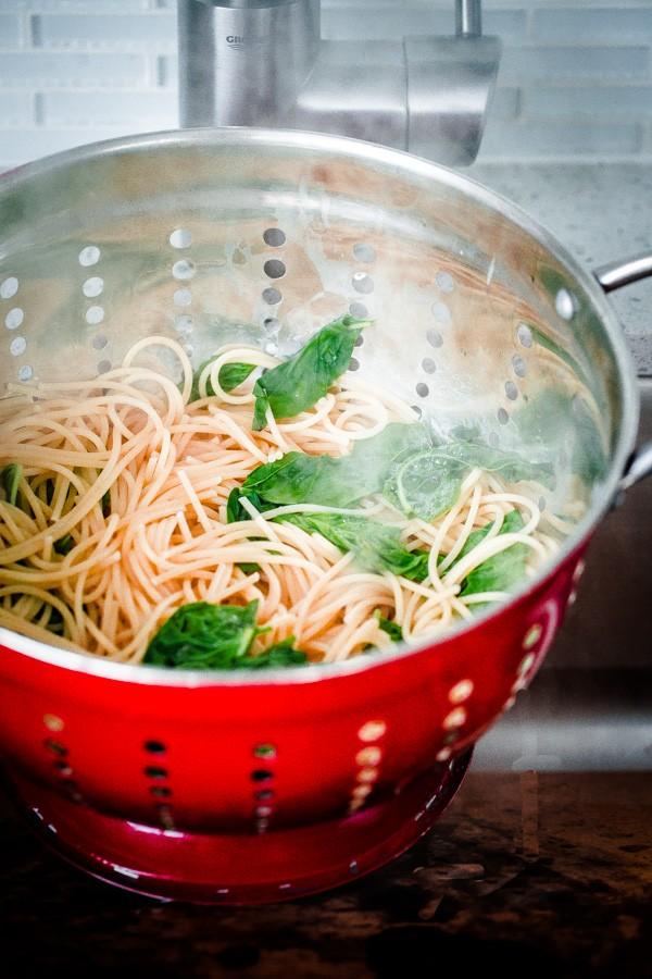 Cooked Spaghettini in Colander