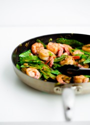 15-Minute Shrimp, Snow Pea, and Ginger Stir Fry. Perfect weeknight dinner!