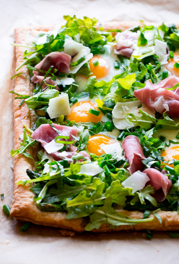 Asparagus Egg Prosciutto Tart -10 Mother's Day Recipe Ideas. Sweets and dessert recipes to spoil your mama!