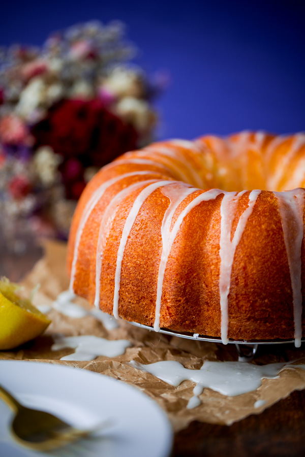 Lemon Yogurt Pound Cake - 10 Mother's Day Recipe Ideas. Sweets and dessert recipes to spoil your mama!