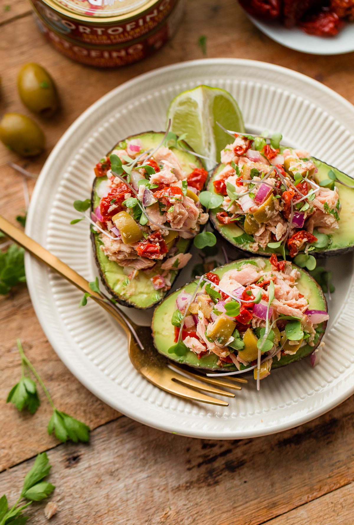 Tuna avocado boats a beautiful plate for Fresh tuna fish recipes
