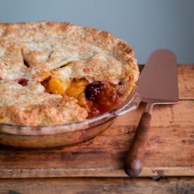 How to Make a Blackberry Peach Pie