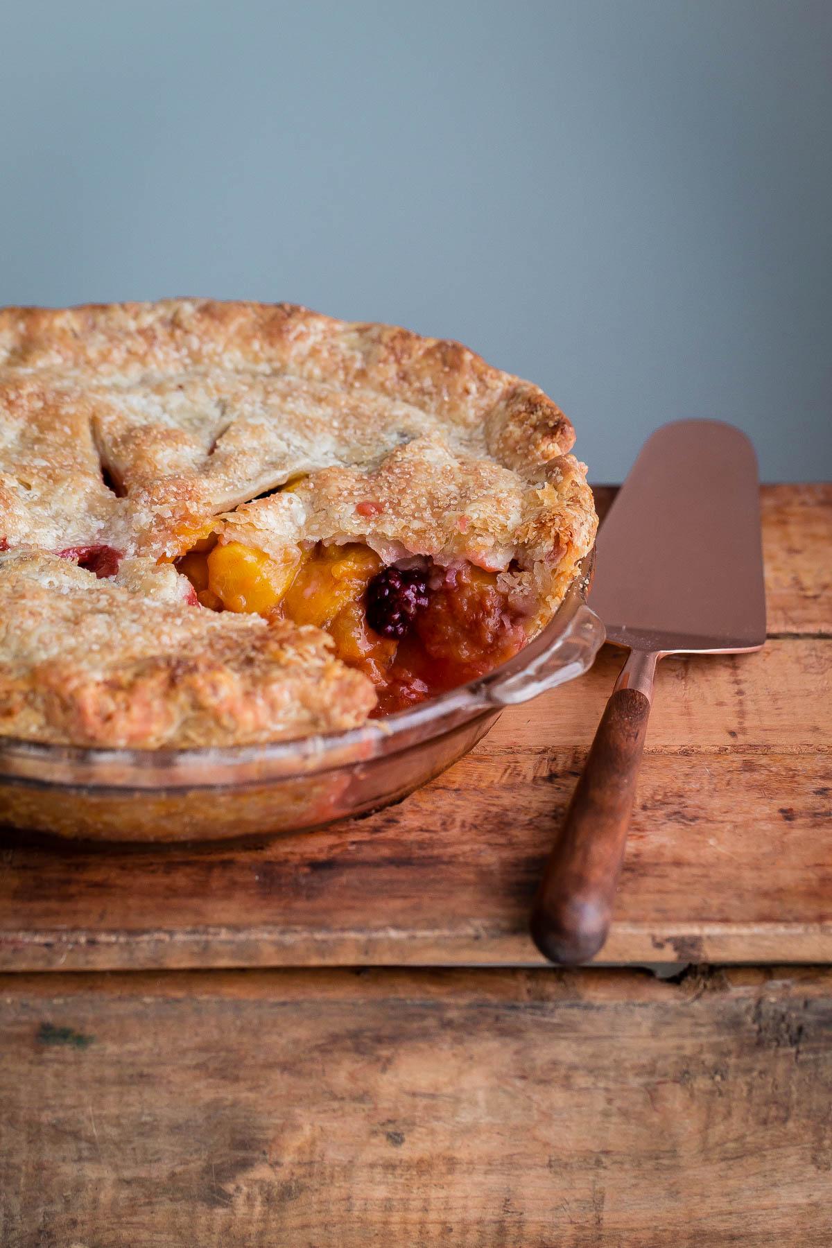 How to Make a Blackberry Peach Pie