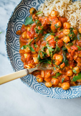 Everyday Chickpea Curry- this VEGETARIAN curry comes together in less than 30 minutes!