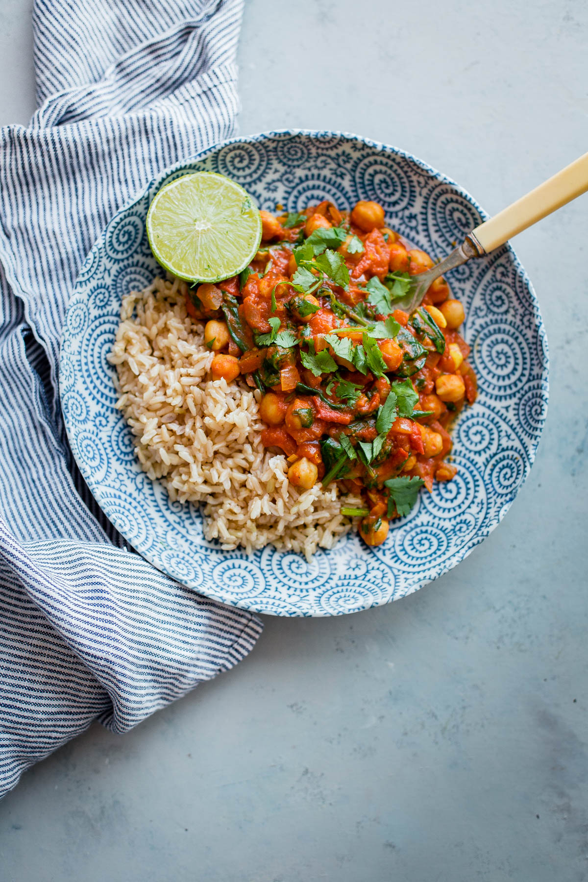 EASY Everyday Chickpea Curry- this VEGETARIAN curry comes together in less than 30 minutes!