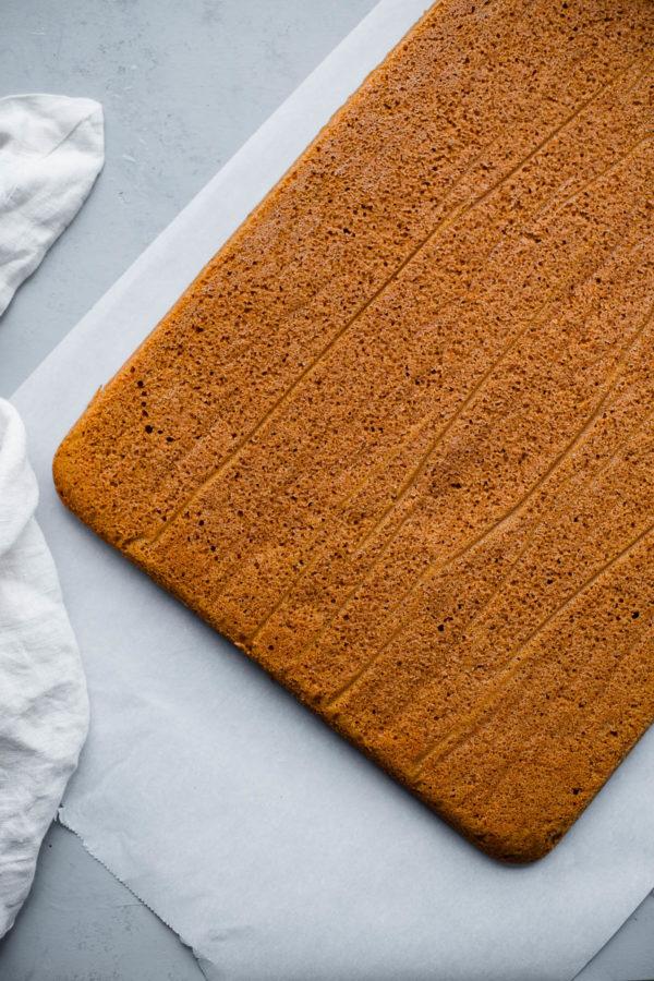 How to Make a Pumpkin Sheet Cake
