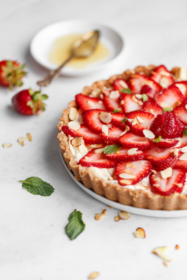No Bake Strawberry Mascarpone Tart
