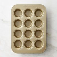 Williams-Sonoma Goldtouch NonStick 12-Cup Muffin Pan