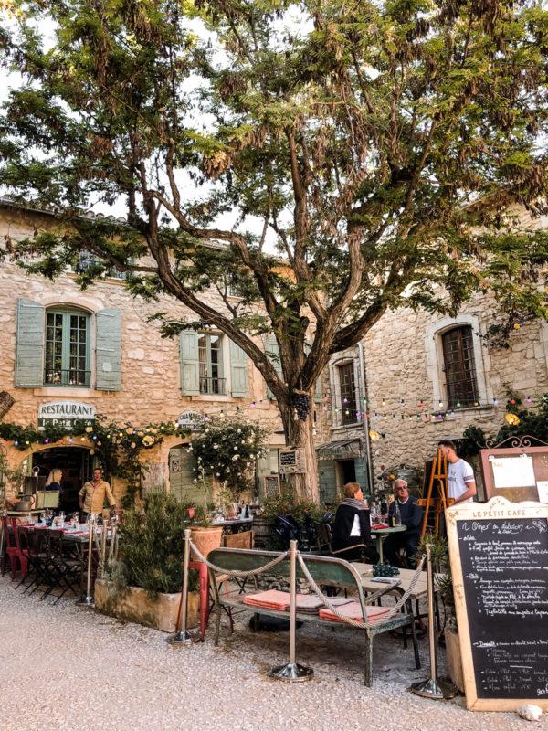 Le Petit Cafe Oppede