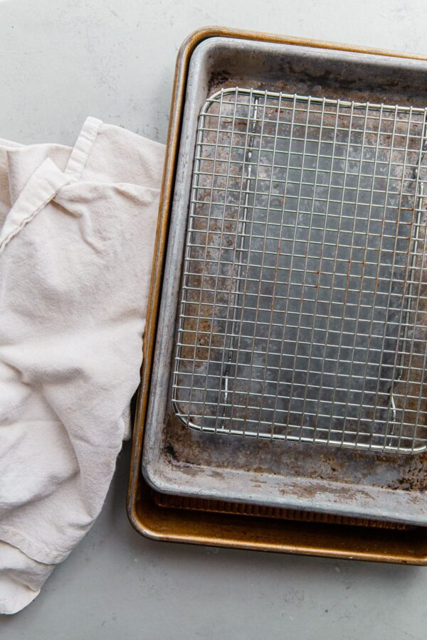 Stacked Baking Sheets with Cooling Rack