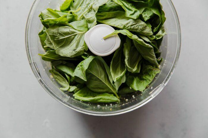 How to Make Pistachio Pesto